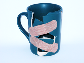 photo-broken-cup-iv.png